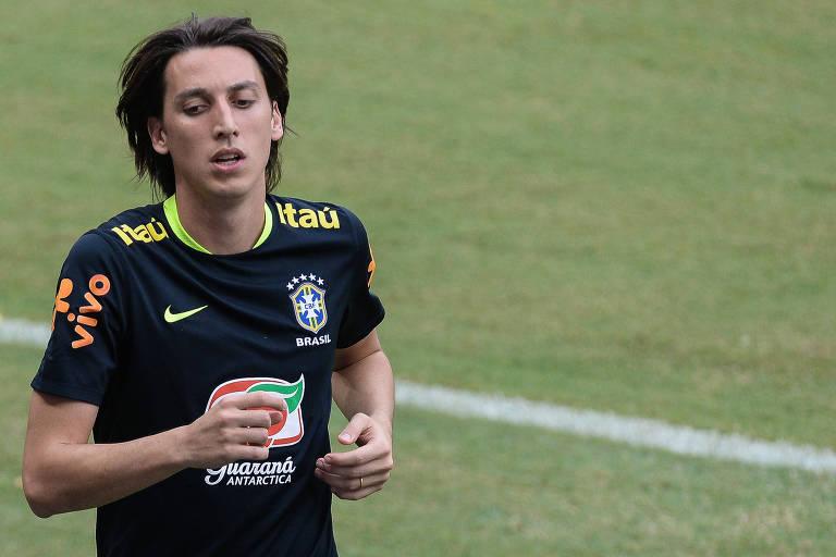 Pedro Geromel durante treino da seleção brasileira