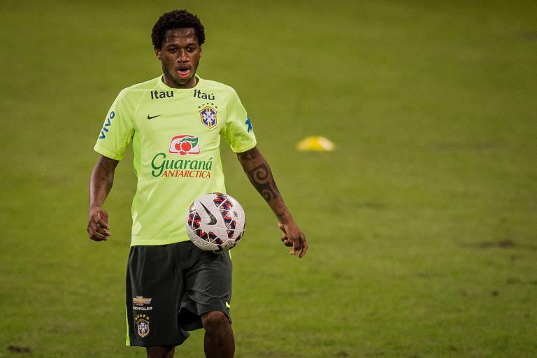 Fred durante treino da seleção brasileira, no Allianz Parque, em São Paulo