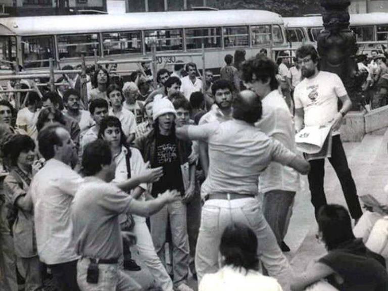 Em 1986, polícia usou força para acabar com Comício da Maconha em SP