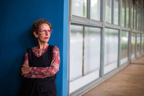 SÃO PAULO, SP, 23.11.2015: RAQUEL-ROLNIK - A arquiteta e urbanista Raquel Rolnik, que vai lançar um livro, no prédio da Faculdade de Arquitetura da USP. (Foto: Danilo Verpa/Folhapres)
