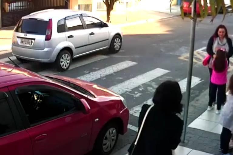 Tragedia Em Suzano Hoje Pinterest: Polícia Vasculha Vídeo E Chega A Suspeito De Ajudar Ladrão