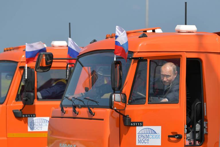 Resultado de imagem para fotos Putin inaugura ponte entre Rússia e Crimeia