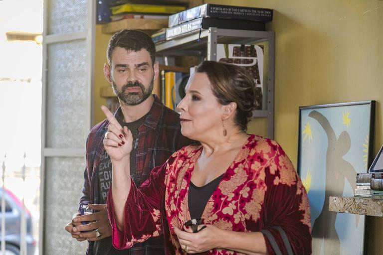 Isadora ( Ana Beatriz Nogueira ) e  Rafael ( Carmo Dalla Vecchia )