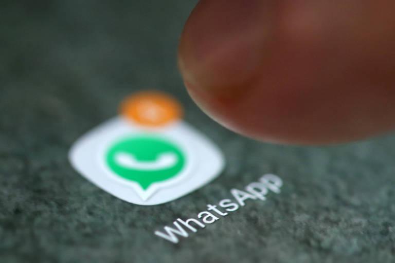Logo do WhatsApp em tela de smartphone