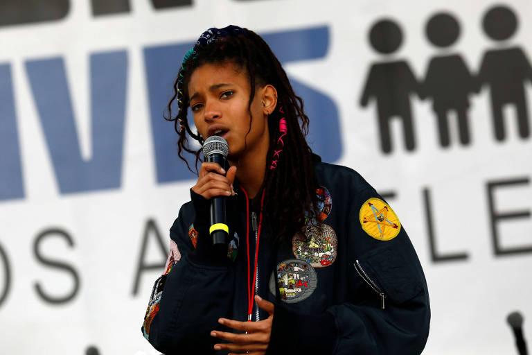 A cantora Willow Smith durante March for Our Lives (Marcha pelas Nossas Vidas, em português) em Los Angeles