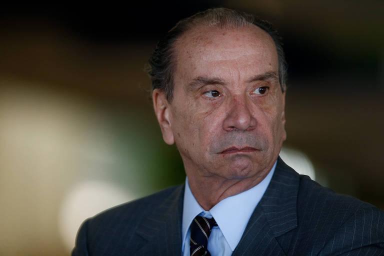 Aloysio Nunes Ferreira com semblante sério