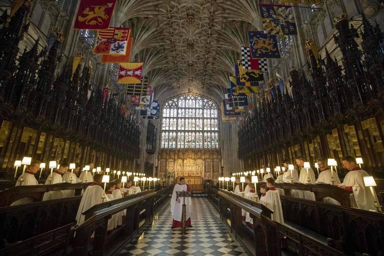 Integrantes de coral da Capela de São Jorge, em Windsor, ensaiam para o dia do casamento do príncipe Harry e a atriz americana Meghan Markle