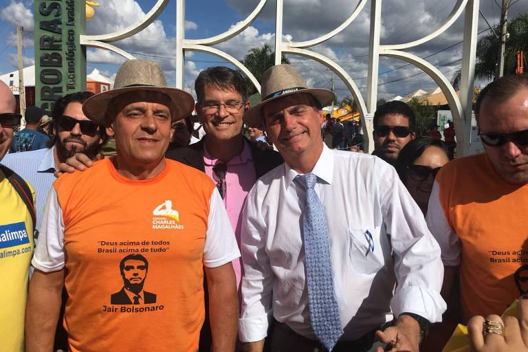 Pré-candidato Jair Bolsonaro chega à Feira AgroBrasília antes do tucano Geraldo Alckmin