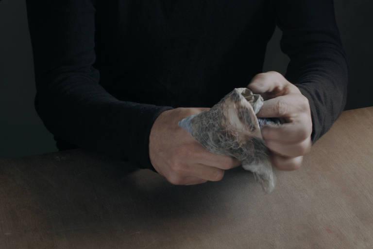 """Mostra """"Instrumento"""", de Ismaïl Bahri, no Espaço Cultural Porto Seguro"""