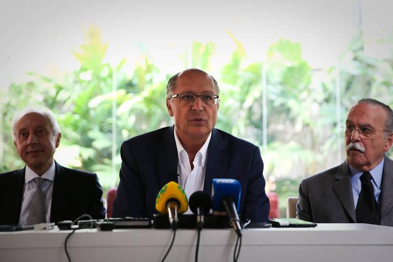 Alckmin fala durante anúncio de sua equipe