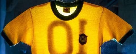 SAO PAULO - SP - BR, 11-05-2018, 11h00: MUSEU DO FUTEBOL. Camiseta que Pelé usou na Copa de 70 expostas no Museu do Futebol.  (Foto: Adriano Vizoni/Folhapress, ESPORTES) ***EXCLUSIVO FSP***
