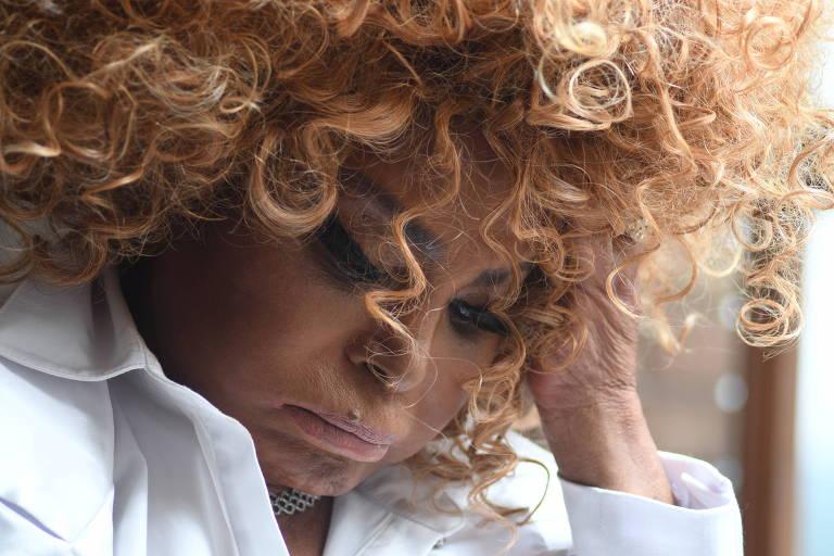 Elza Soares brilha com repertório político perfeito para sua voz