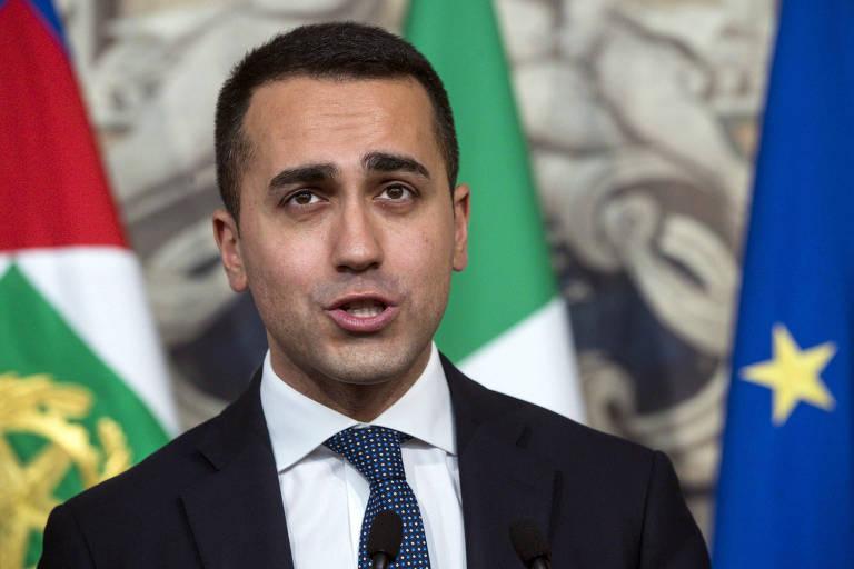 Luigi Di Maio, líder do Movimento 5 Estrelas, fala à imprensa em Roma