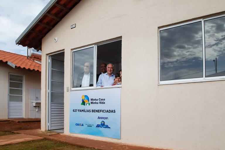 O presidente Michel Temer durante visita a condomínio que integra o Minha Casa, Minha Vida em Patos de Minas