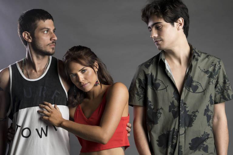 Icaro (Chay Suede), Rosa (Leticia Colin) e Valentim (Danilo Mesquita)