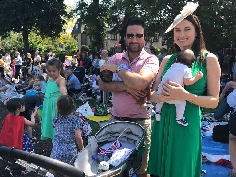 o britânico Kash Atre, 36, com a mulher russa-americana Anastasia Atre, 33, em Windsor