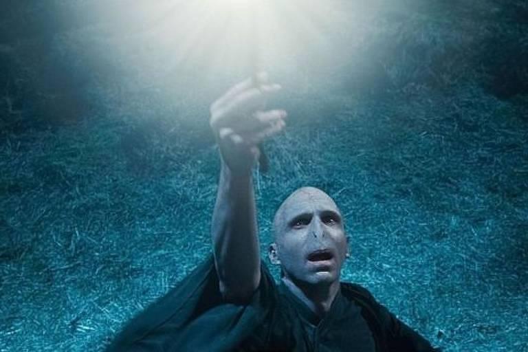 Voldemort, interpretado por Ralph Fiennes, é o vilão dos filmes da série Harry Potter