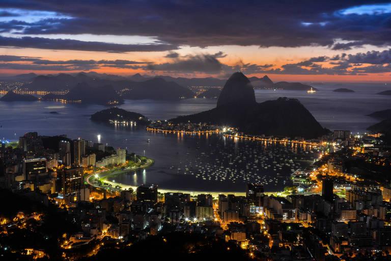 Vista do Mirante Dona Marta, no Rio de Janeiro (RJ)