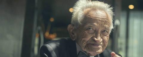 SAO PAULO, SP, BRASIL, 14-03-2018, 11:39:   Ático Alves de Souza, 91 anos, funcionário mais antigo do Grupo Fasano. (Foto: Gustavo Lacerda, REV)