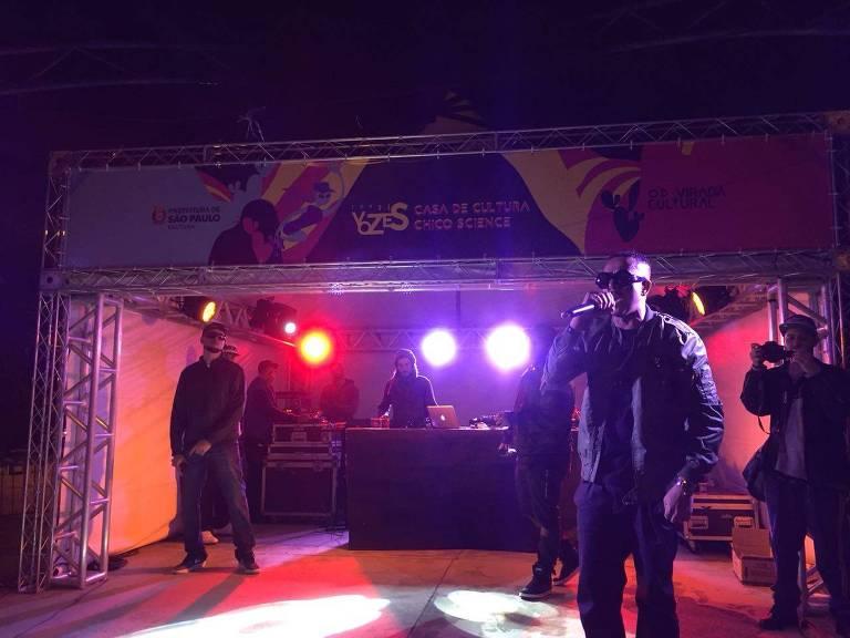 Show do rapper Helião na 14ª Virada Cultural
