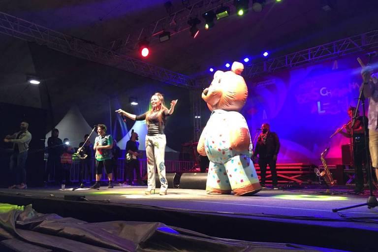 VIRADA CULTURAL - Simony em show do Balão Mágico