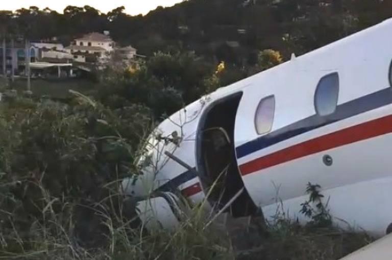 Avião com DJ Alok derrapa