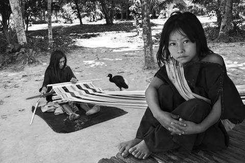 USO EXCLUSIVO PARA O ESPECIAL SEBASTIÃO SALGADO NA AMAZONIA- NAO CORTAR A IMAGEM - Reportagem acompanha nova expedição do fotógrafo brasileiro à floresta amazônica, desta vez para documentar a valente etnia ashaninka, que depois de sobreviver a meio século de batalhas se vê agora diante da ameaça de caçadores, traficantes, madeireiros e mudanças climáticas, que interferem no rio, nas plantas e nos animais dos quais depende a sua vida .