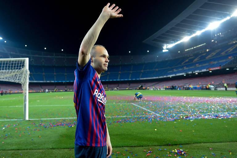 Andrés Iniesta, que deixará o Barcelona, é um dos destaques da Espanha
