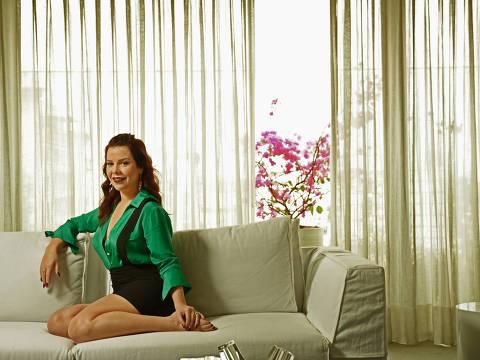 SÃO PAULO / SÃO PAULO / BRASIL -04 /10/17 - :00h -  Retrato da atriz e apresentadora Fernanda Souza . ( Foto: Karime Xavier / Folhapress) . ***EXCLUSIVO***MONICA BERGAMO