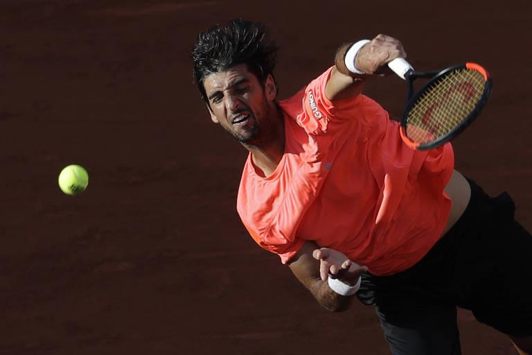 Thomaz Bellucci ainda precisa vencer mais duas partidas para se classificar à chave principal de Roland Garros