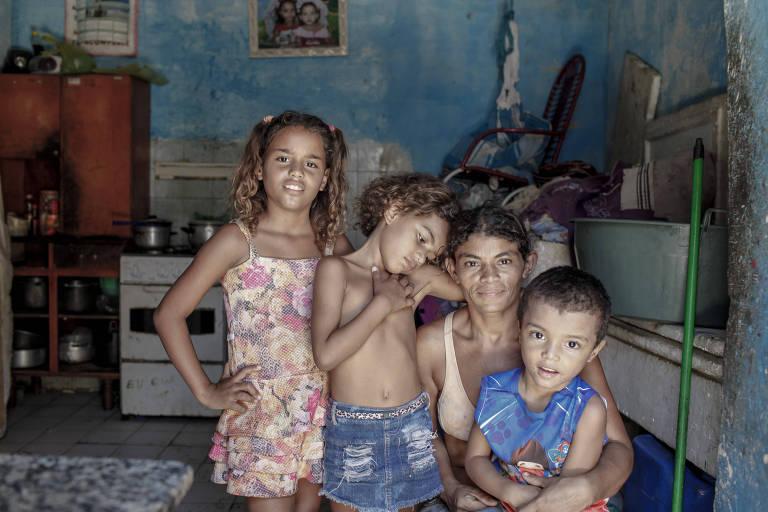 Aos 10 anos, Rosemary Amorim da Costa foi o retrato da desnutrição infantil do país quando imagem dela, raquítica, na periferia de Fortaleza, ganhou destaque nacional; hoje é casada e com cinco filhos