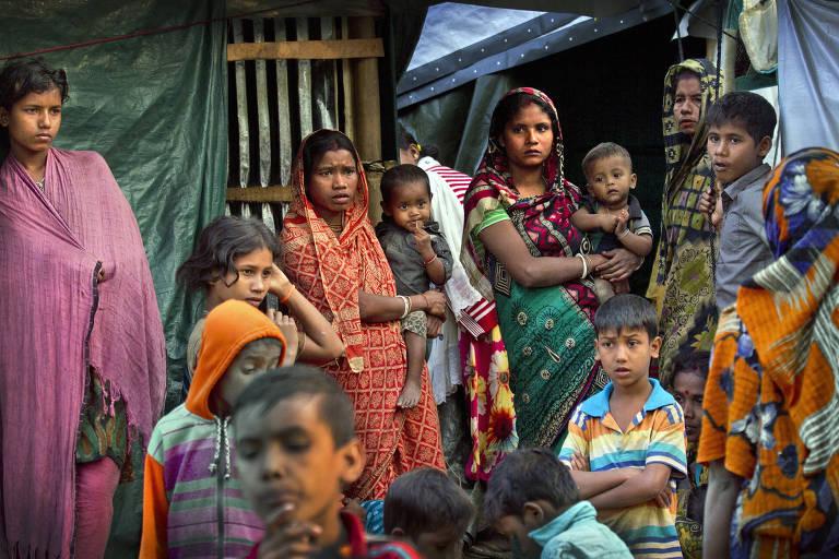 Grupo armado rohingya cometeu massacre de hindus em Mianmar, diz Anistia