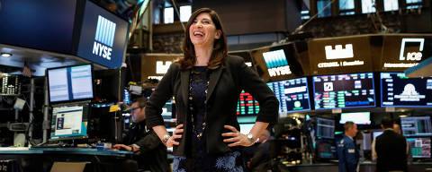 NYSE Chief Operating Officer Stacey Cunningham, who will be the New York Stock Exchange's (NYSE) first female president, poses on the floor of the NYSE in New York, U.S., May 22, 2018. REUTERS/Brendan McDermid ORG XMIT: NYK506