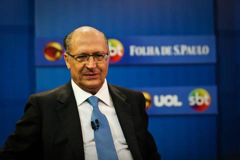 Sob pressão, Alckmin cobra tucanos e diz que cunhado é 'simpatizante do PSDB'