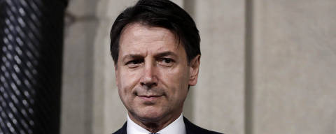 Giuseppe Conte addresses the media after meeting Italian President Sergio Mattarella, at the Quirinale presidential palace in Rome, Wednesday, May 23, 2018. Italy's president asked the political neophyte Giuseppe Conte to try to form a government Wednesday, giving the euroskeptic 5-Star Movement and League their first shot at running western Europe's first populist government. (Riccardo Antimiani/ANSA via AP) ORG XMIT: ROM108