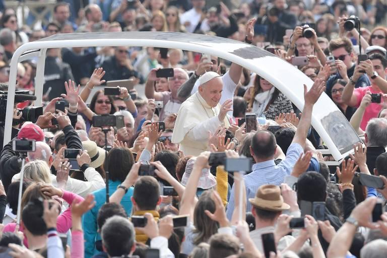 Papa Francisco inspira passeio por Roma