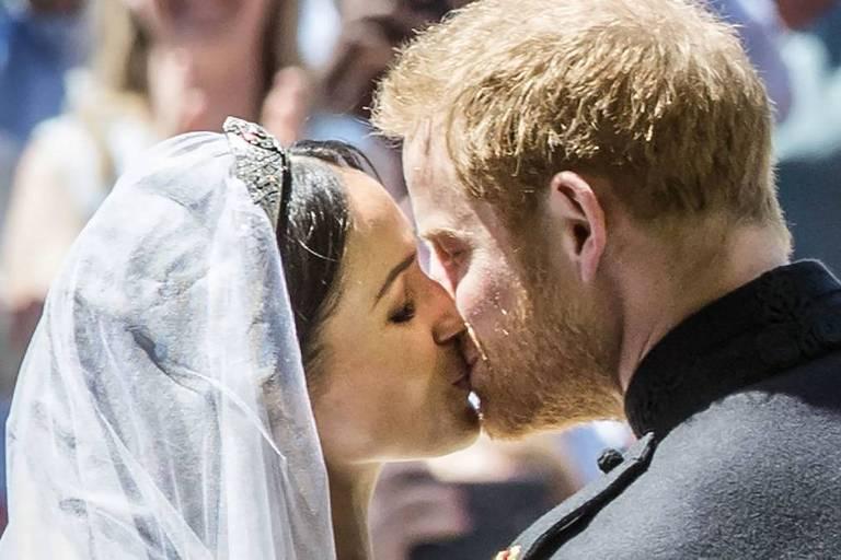 Príncipe Harry, duque de Sussex e sua noiva, Meghan Markle, em seu casamento na capela de St. George em Windsor