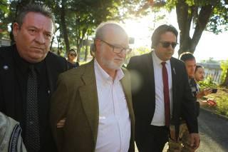 Politica - Belo Horizotne, Mg. O Ex governador Eduardo Azeredo e preso e faz corpo delito no IML em Belo Horizonte. Fotos: Leo Fontes / O Tempo - 23.5.18