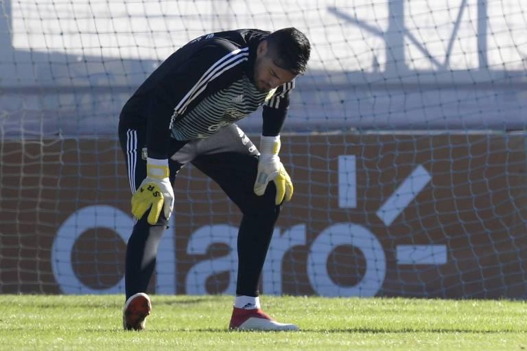Romero lesionou o joelho direito e foi cortado do grupo que vai à Copa do Mundo na Rússia