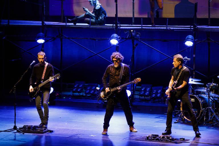 """A banda de rock Titãs na estreia do espetáculo ópera-rock """"Doze Flores Amarelas"""" no Sesc Pinheiros"""