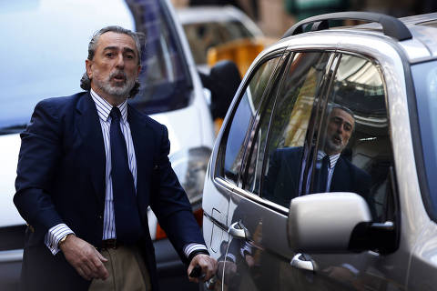 Businessman Francisco Correa arrives at Madrid's High Court, March 20, 2014. Correa, one of the alleged ringleaders of the