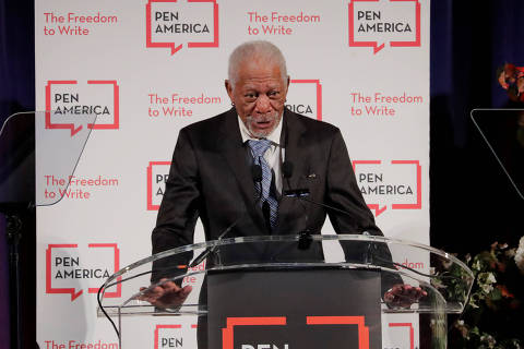 Actor Morgan Freeman speaks at the PEN America Literary Gala in New York, U.S., May 22, 2018.  REUTERS/Lucas Jackson ORG XMIT: LJJ002