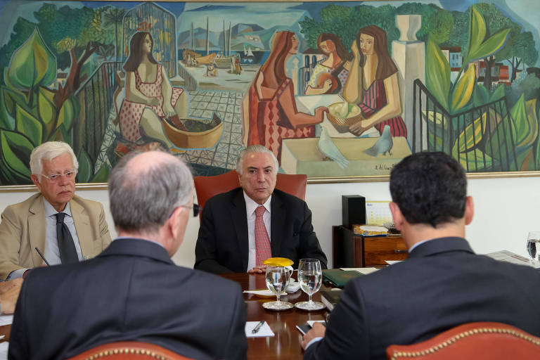Presidente Michel Temer durante reunião com ministros em Brasília para discutir a crise dos caminhoneiros