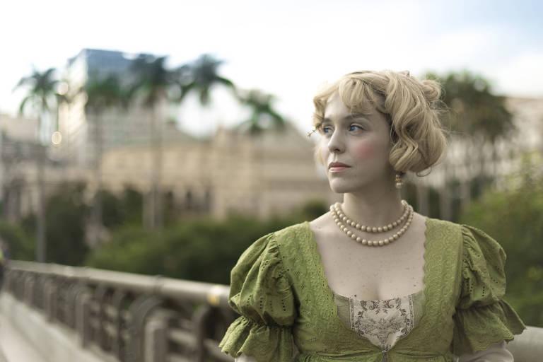 "Sara Antunes como a imperatriz Leopoldina em ""Leopoldina, Independência e Morte"""
