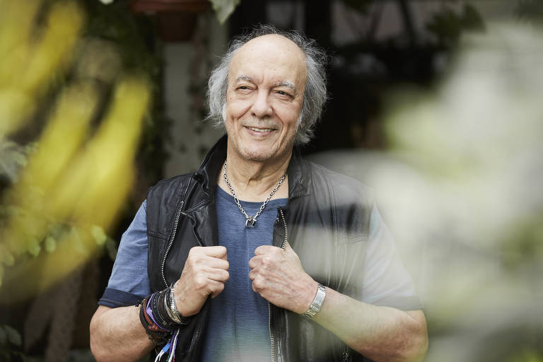 Cantor e compositor Erasmo Carlos faz show na Casa Natura Musical