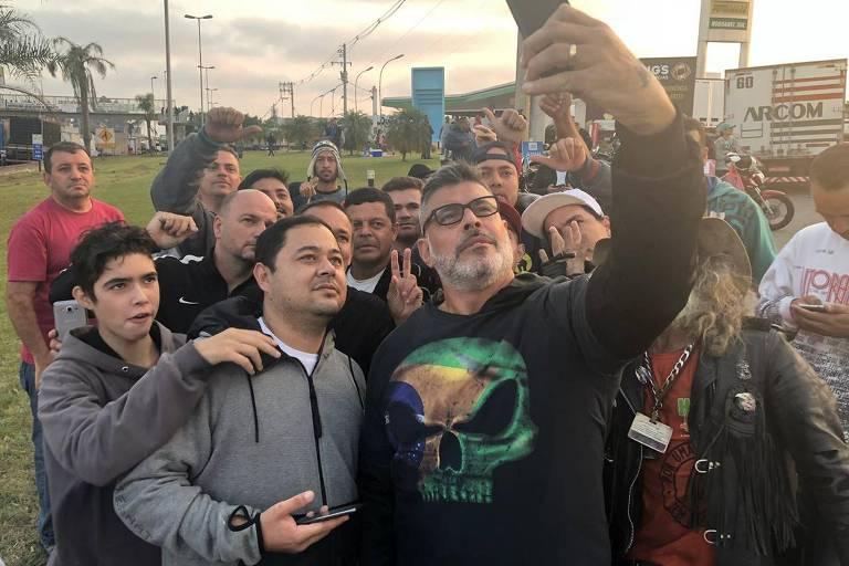 Alexandre Frota apoia protesto de caminhoneiros na Régis Bittencourt