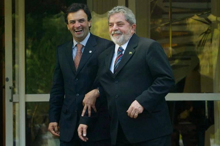 Lula  e Aécio deixam Palácio das Mangabeiras após almoço e encontro sorridentes e de braços dados