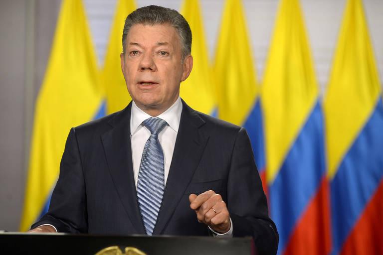 O presidente Juan Manuel Santos ao anunciar em Bogotá a entrada do país na Otan