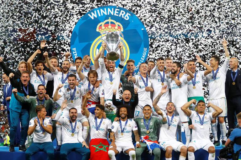 e96ac9e887 Jogadores do Real Madrid comemoram vitória da Liga dos Campeões - Kai  Pfaffenbach Reuters