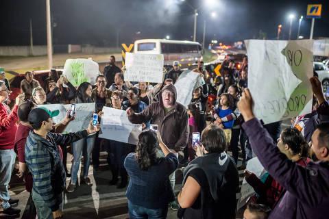 WhatsApp organiza e (des)informa manifestantes pelas rodovias do país